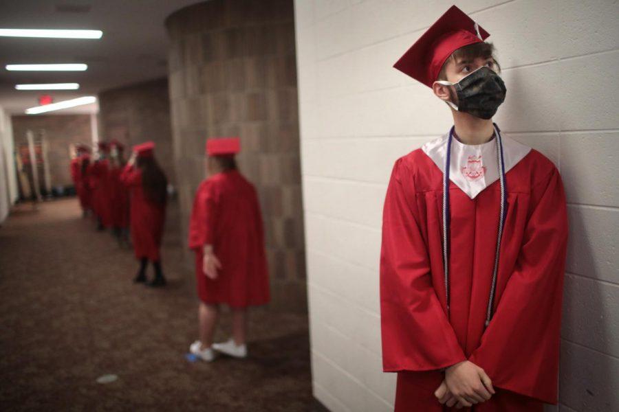 200507-high-school-graduation-mn-1152_4d53cf887bffb908d7cb9652ec59390a